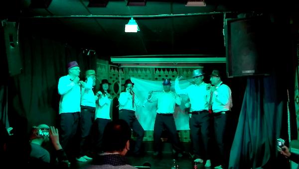 Momento del striptease en El Zaguán