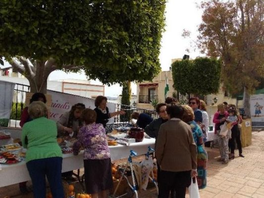 En la II Feria de la Naranja, artesanos de la comarca