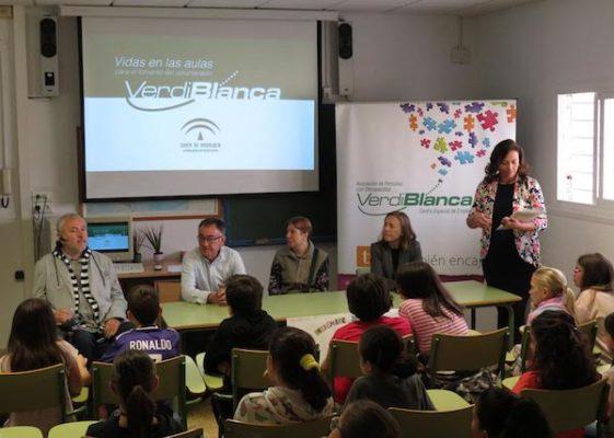 Responsables de Verdiblanca y de la Junta de Andalucía, en el Luis Siete