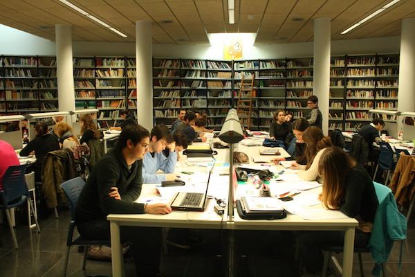 La Biblioteca de El Ejido tendrá horario ininterrumpido también los sábados de abril, mayo y junio