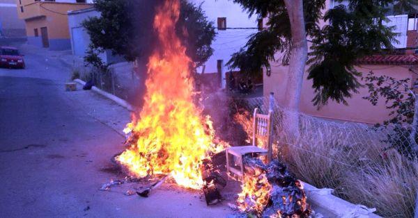 171016 contenedor ardiendo Adra