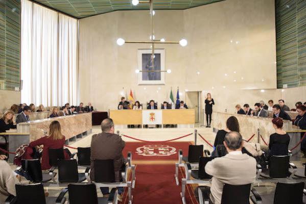 Momento del Pleno celebrado en el Ayuntamiento de Almería