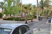 Dos hombres y dos niñas, heridos en un accidente de tráfico en el parque Nicolás Salmerón de Almería