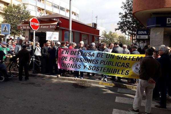 En Roquetas, los jubilados también han reclamado pensiones dignas
