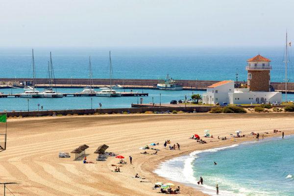 puerto y playa Almerimar