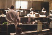 Consumo prepara al sector hostelero para evitar abusos en Semana Santa