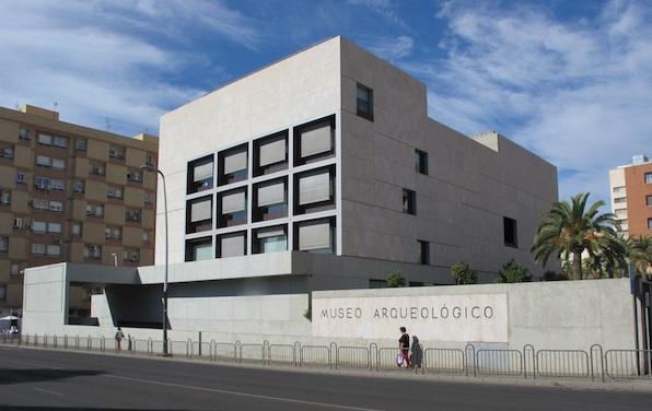 El Museo de Almería descubre al público las labores de restauración y conservación de sus colecciones