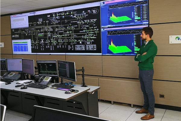 La UAL difunde en Chile sus sistemas de predicción de nubosidad y radiación