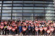 Señales de tráfico en los 103 municipios de Almería unen a la provincia frente a la violencia machista