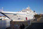 El crucero Star Breeze realiza su cuarta escala de otoño en el puerto de Almería