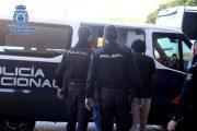 La Policía detiene en Almería a un murciglero y esclarece un tirón y dos robos en viviendas