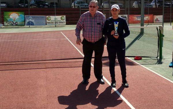 El tenista ejidense José Antonio Plaza gana en Linares
