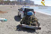 El Seprona interviene más de 500 kilos de jurel y 75 paños de trasmallo en Almería
