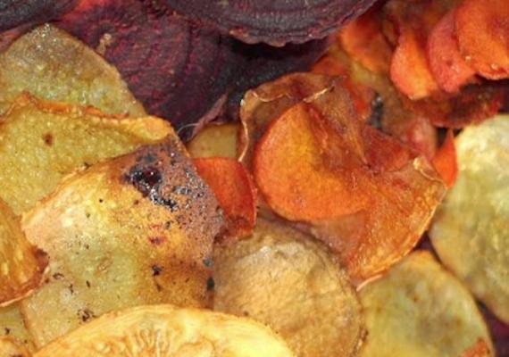 OCU advierte: los chips vegetales tienen mucha grasa y no son alternativa al consumo de verduras