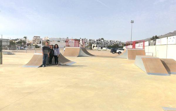 Abierta al público una pista de patinaje y skateboard en Mojácar