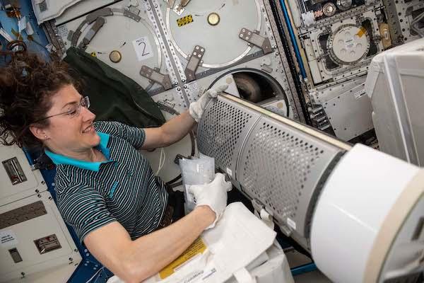 Un investigador de la UAL lidera un proyecto de la NASA para el tratamiento del cáncer