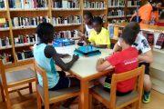 Vícar llena de actividades sus bibliotecas en las mañanas de verano