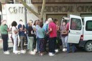 Baja la venta ilegal de productos perecederos y sube el número de 'manteros' en Almería