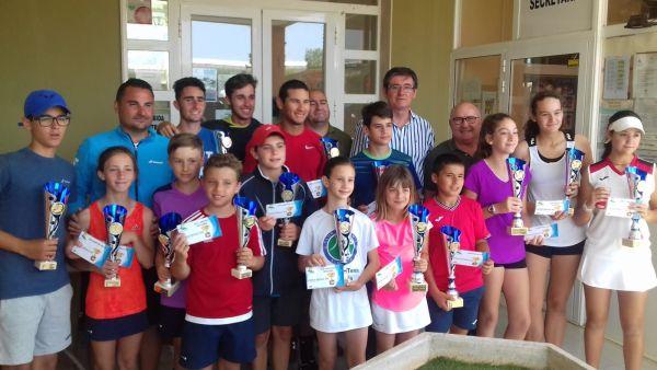 Adra, punto de encuentro para más de un centenar de tenistas de toda Andalucía