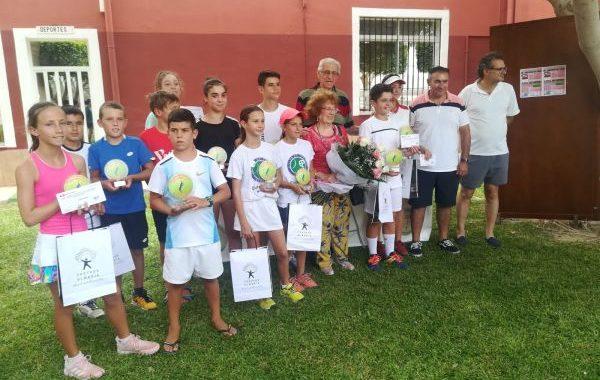 Pechina corona a los nuevos campeones del circuito provincial de tenis