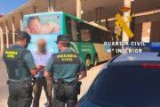 Secuestran y drogan a un hombre durante dos días en Roquetas de Mar para obligarlo a transferirles su coche