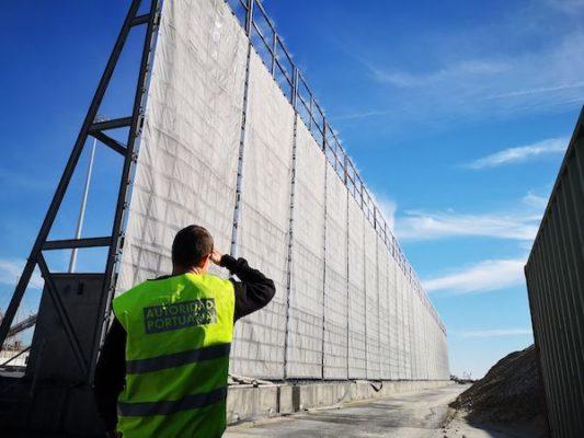 Dieciséis empresas optan a la instalación de pantallas atrapa-polvo en el puerto de Carboneras