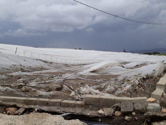 invernadero dañado en Níjar