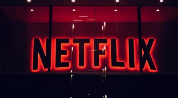 Almería propone a Netflix ser su escenario preferente para sus producciones cinematográficas