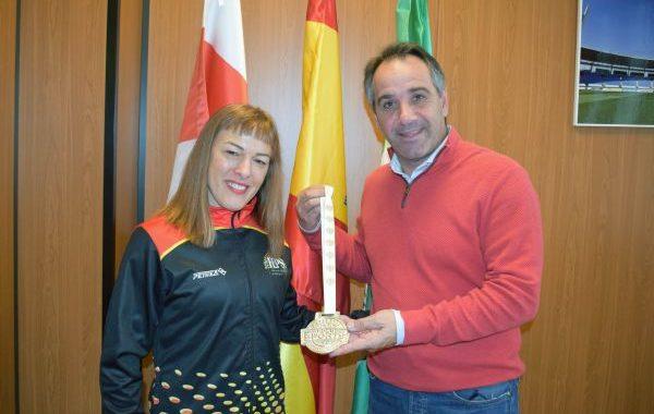 Raquel Ballesta, medalla de plata mundial en pole sport
