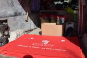 El Ayuntamiento de Vícar reparte alfombras rojas y pascueros entre los comercios locales