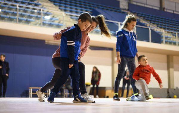 Más de 80 niños con autismo participan en un programa de deporte adaptado de Altea
