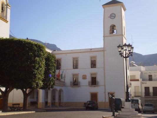 El Ayuntamiento de Dalías cierra sus puertas tras dar positivo en covid-19 la secretaria municipal