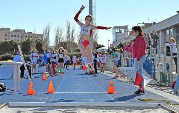 Laura Zarauz y África Castillo baten el récord del ranking nacional sub14 en salto de longitud
