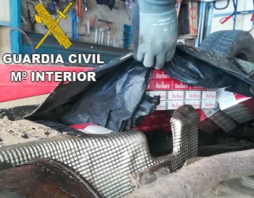 Intervienen cerca de 3.000 cajetillas de tabaco en un furgón y un remolque procedentes de Argelia