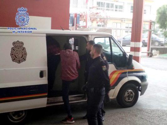 Policía furgón