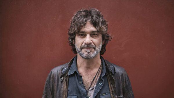 Quique González presenta su último disco en el Maestro Padilla de Almería