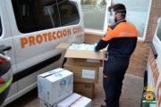 El Hospital de Poniente recibe 4.000 mascarillas y trajes de protección donados por vecinos voluntarios de El Ejido
