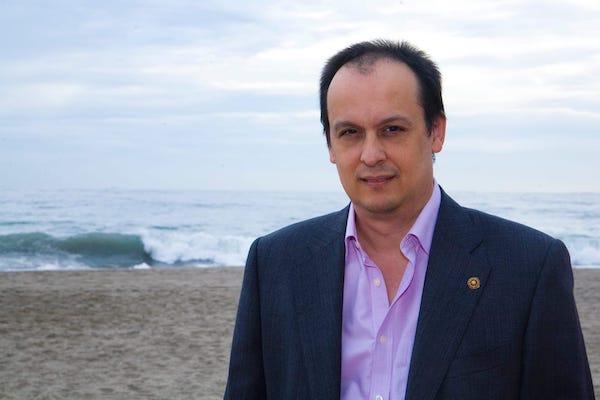 Dr. Rafael Quirosa