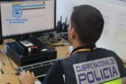 La policía detiene al autor de un robo con fuerza en un bar de Almería