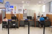 La policía reabre al público sus oficinas de DNI y pasaporte en la provincia de Almería