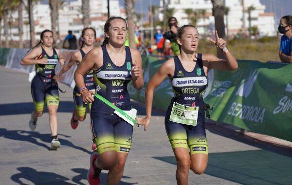 Universidad de Alicante y Cidade de Lugo ganan el triatlón de Roquetas de Mar