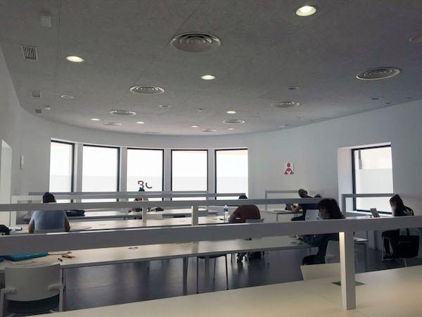 sala de estudio biblioteca