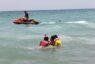 Vera entrena a sus socorristas con un simulacro de rescate y salvamento en la playa