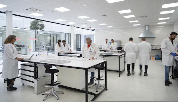 Interior_Laboratorio_Centro_I_D_Cosentino_2